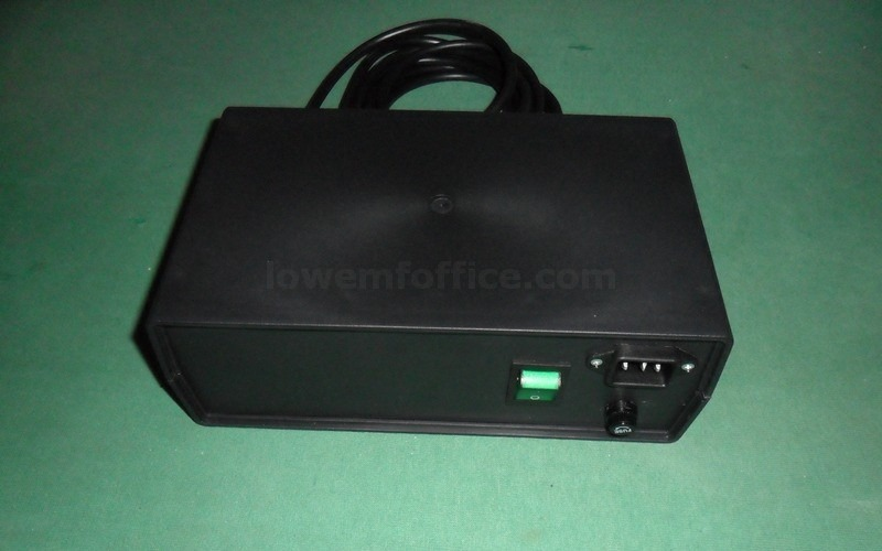 Linear power supply for LCD monitor